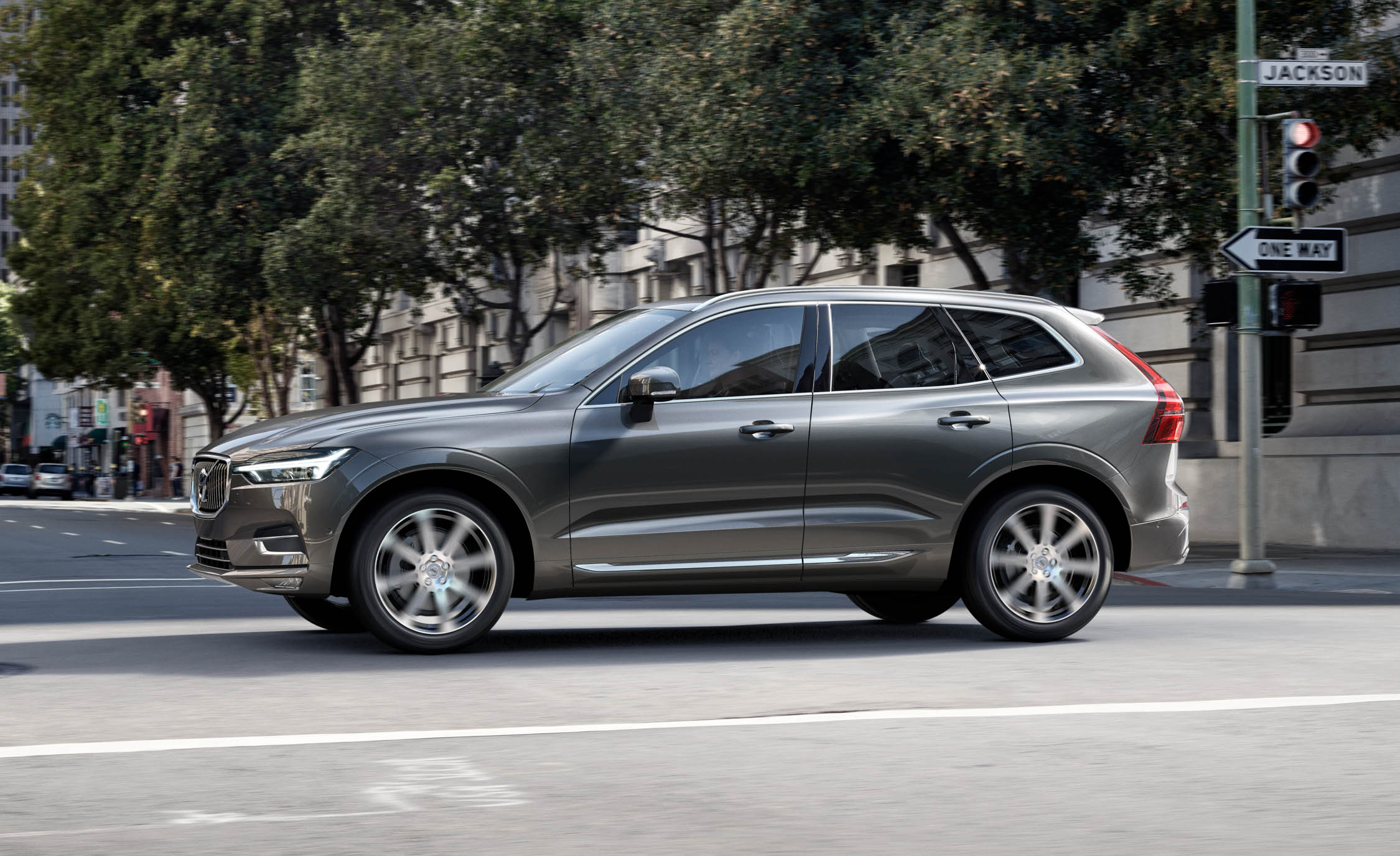 2018 volvo xc60 it 39 s all about that luxe rims and tires mag. Black Bedroom Furniture Sets. Home Design Ideas