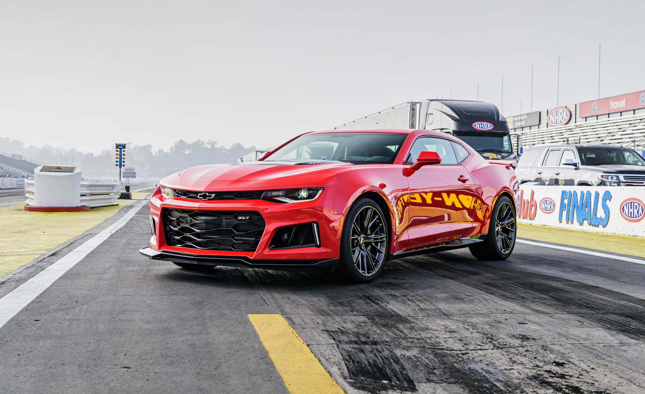 2017 chevrolet camaro zl1 convertible first drive an american bad ass goes topless rims and. Black Bedroom Furniture Sets. Home Design Ideas