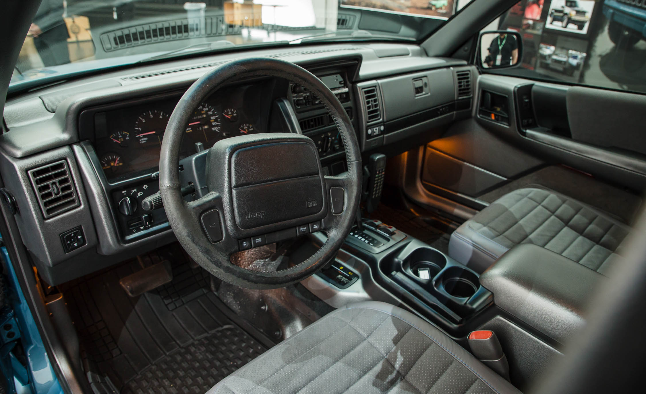 Jeep Grand One Concept The 1993 Grand Cherokee Zj Gets