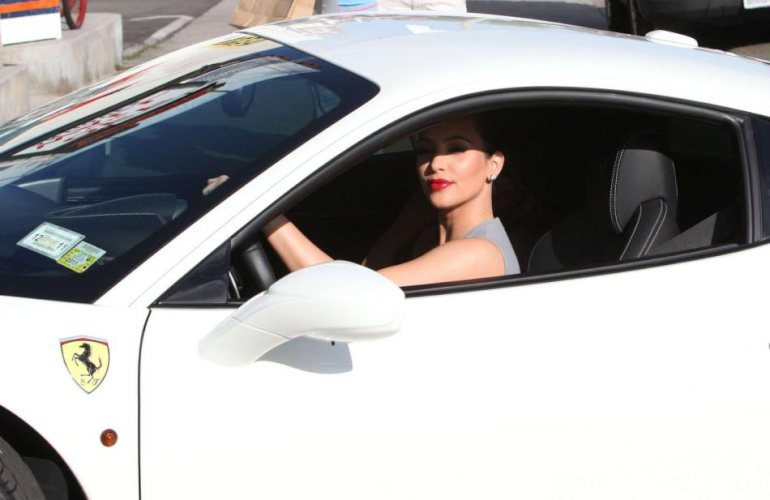 Kim Kardashian :: Ferrari 458 Italia