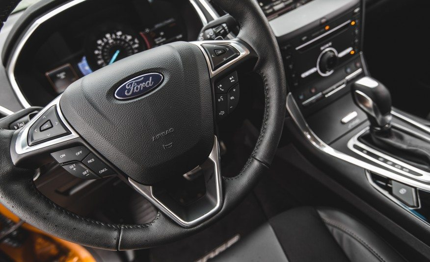 2015-Ford-Edge-2.7L-EcoBoost-AWD-128-int2