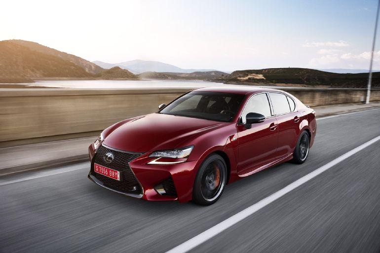 2016 Lexus GS F Review 10