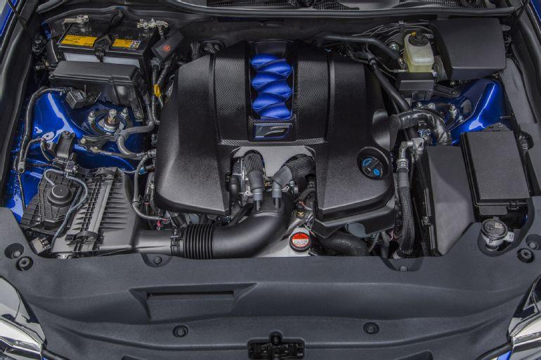 2016 Lexus GS F Review 2