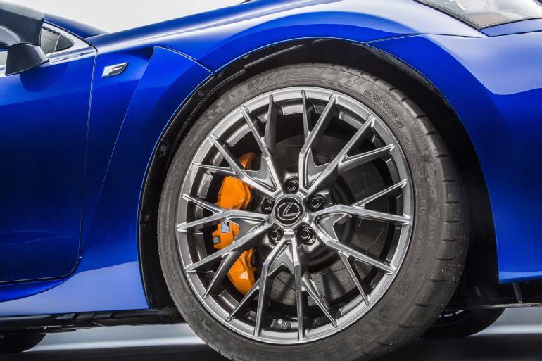 2016 Lexus GS F Review 4