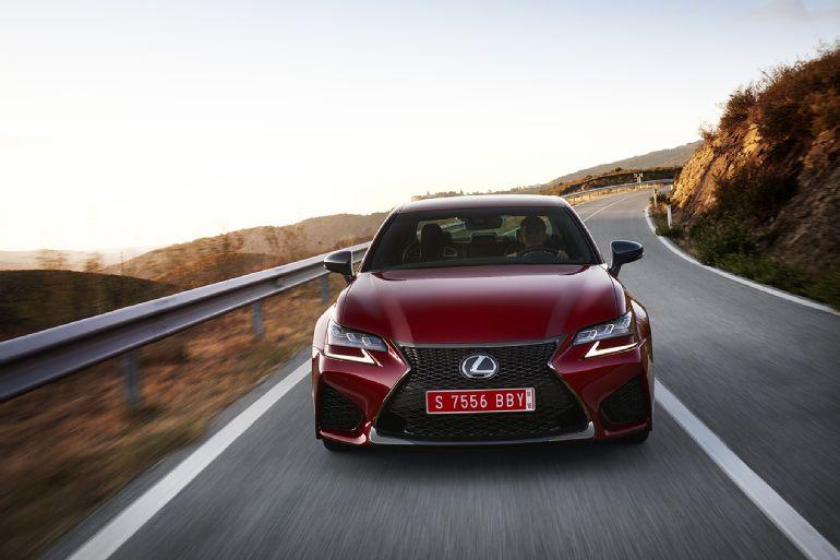 2016 Lexus GS F Review 8