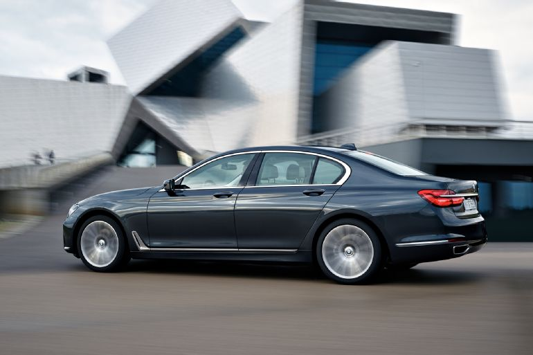 2016 BMW 7 Series Review 2