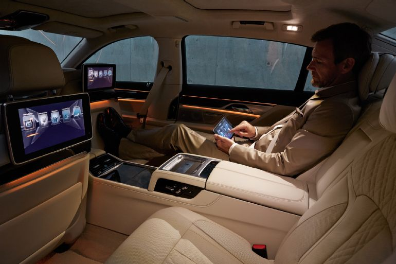2016 BMW 7 Series Review 5