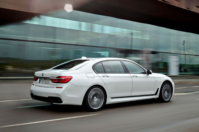 2016 BMW 7 Series Review 9