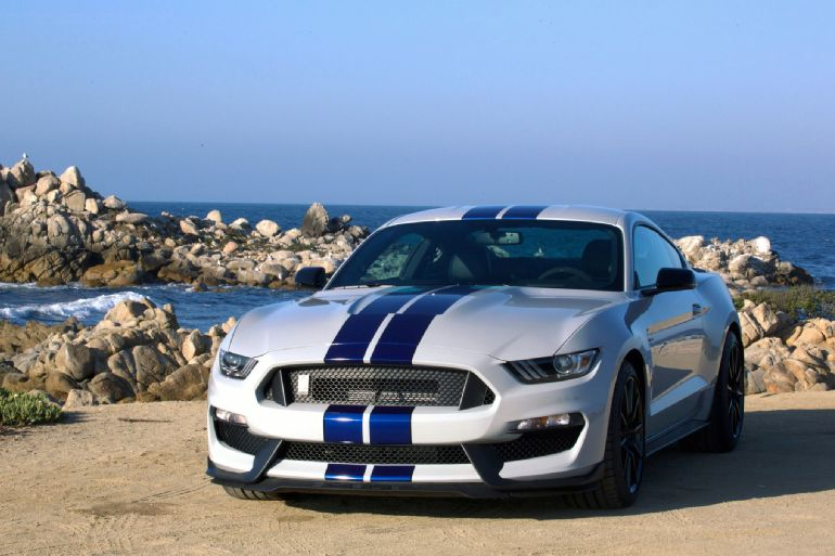 2016 Ford Shelby GT350 Mustang Review 4