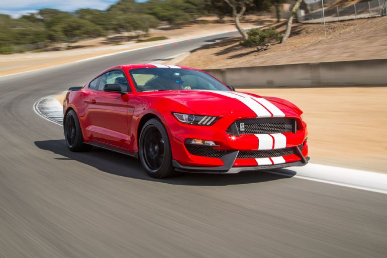2016 Ford Shelby GT350 Mustang Review 7