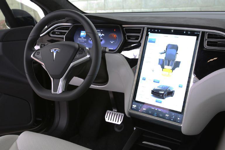 2016 Tesla Model X P90D Review 1