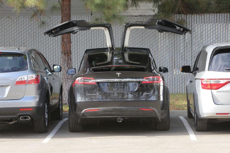 2016 Tesla Model X P90D Review 2