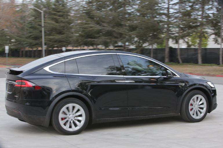 2016 Tesla Model X P90D Review 3