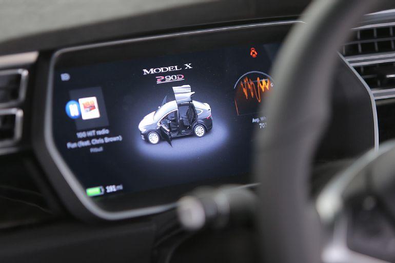 2016 Tesla Model X P90D Review 4