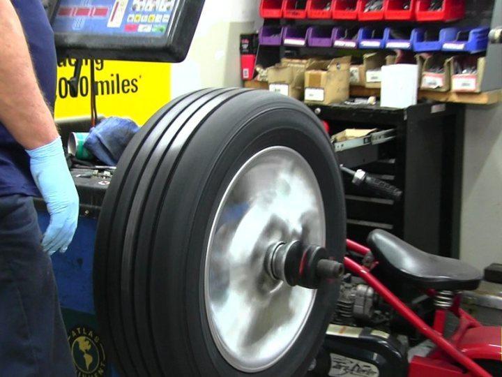 wheel-balancing-machine