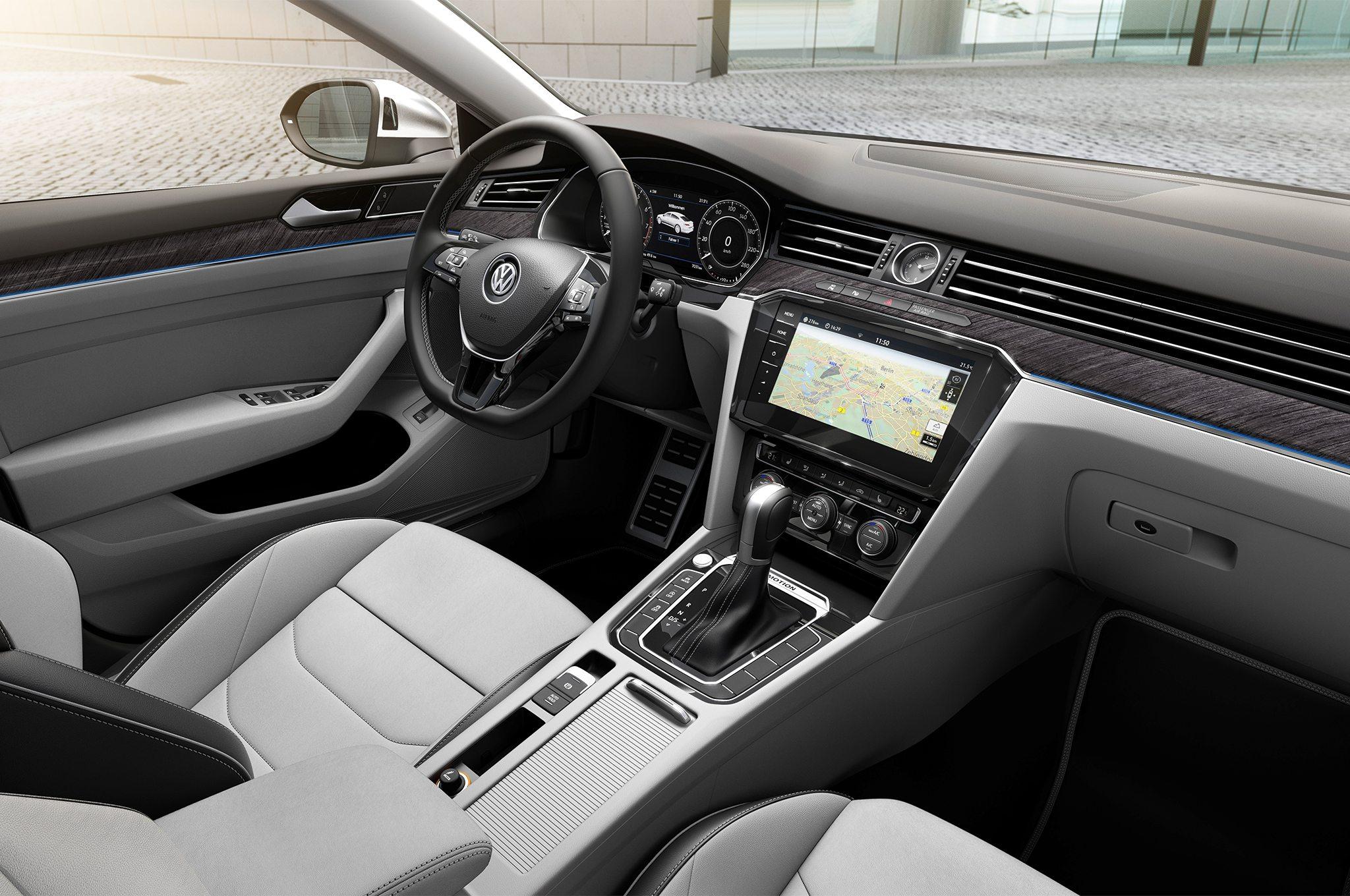 2018-Volkswagen-Arteon-Elegance-cabin-2