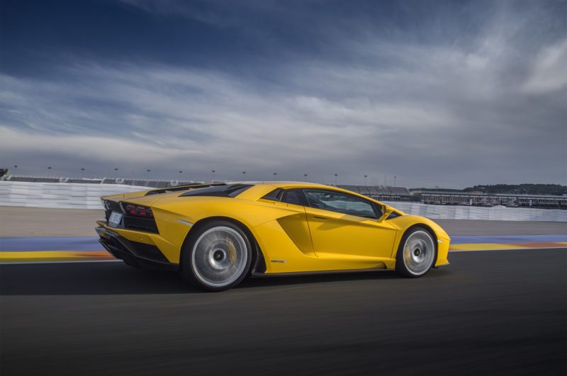 First Drive: 2017 Lamborghini Aventador S